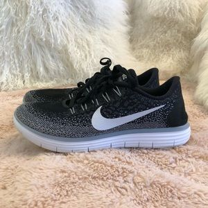 NIKE Free Rn Distance running sneaker size 7.5